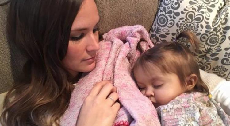 9 mėnesių mergaitei buvo prognozuojama mirtis dėl baisios ligos, tačiau jos auklė padarė kai ką netikėto