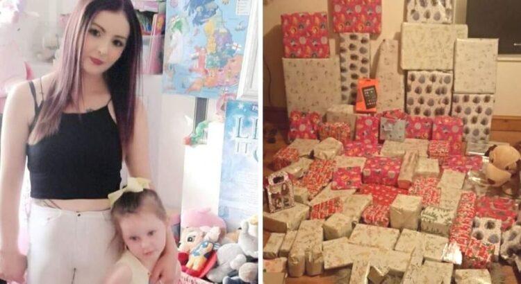 Mama parodė milžinišką dovanų krūvą savo dukrai Kalėdų proga, tačiau jos geri norai internete buvo pasitikti didele kritika